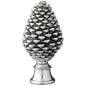 Serafina pine cone
