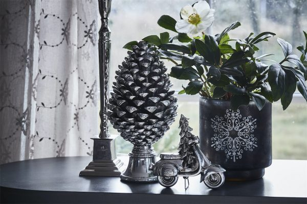Serafina pine cone ⌀15x30
