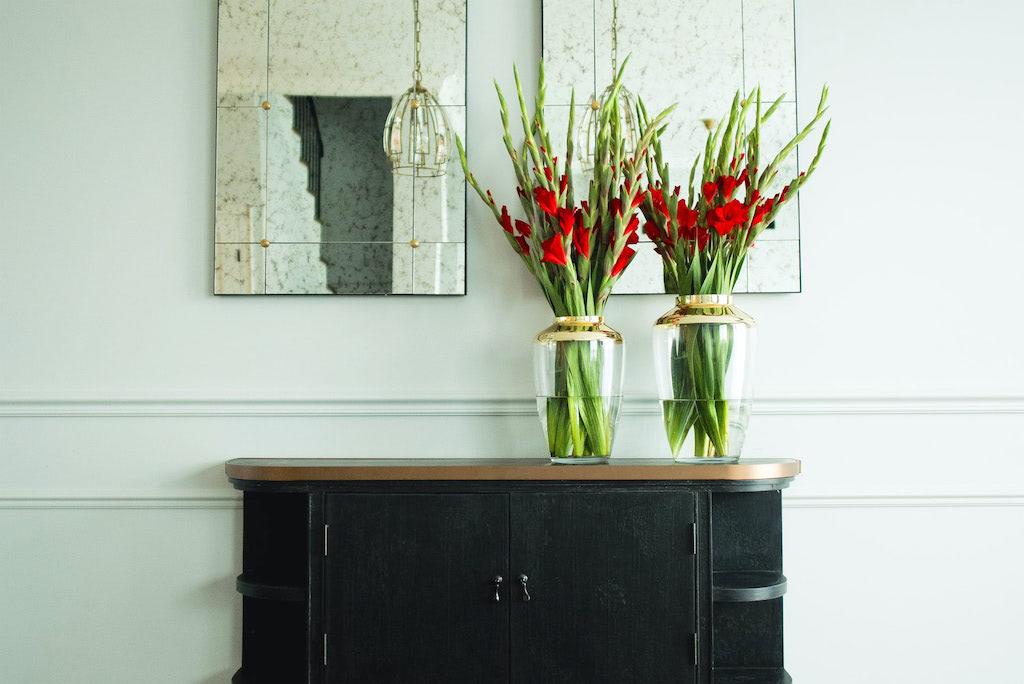 Żywe kwiaty to zawsze doskonały pomysł na udekorowanie domu